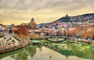 Silk Road Tours NZ - Tbilisi with the Kura River